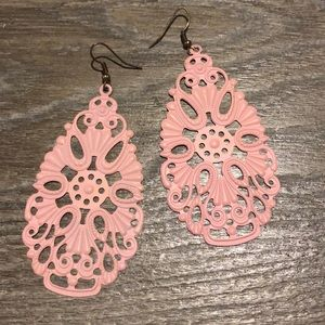 Plunder blush pink earrings